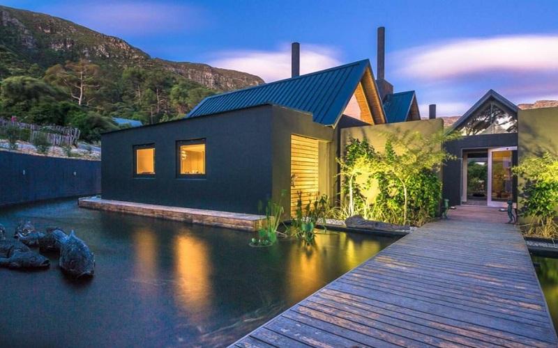 Maison Noir, Hout Bay / Cape Town